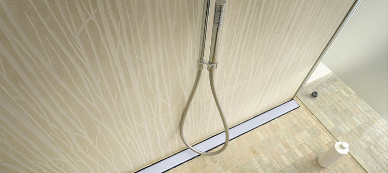Comment bien carreler sa douche italienne blog carrelage for Poser carrelage sans joint