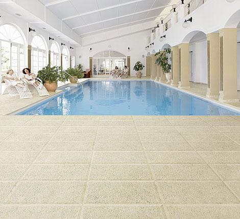 Carrelage piscine Newstone de Ceramiche Piemme