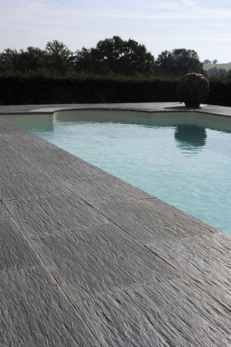 Top 5 des meilleurs carrelages de piscine blog carrelage for Piscine carrelage gris
