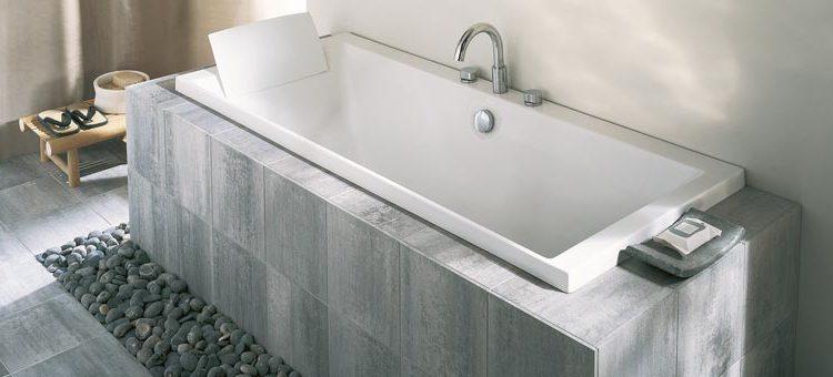 Carreler sa baignoire pourquoi et comment blog carrelage - Comment blanchir sa baignoire ...