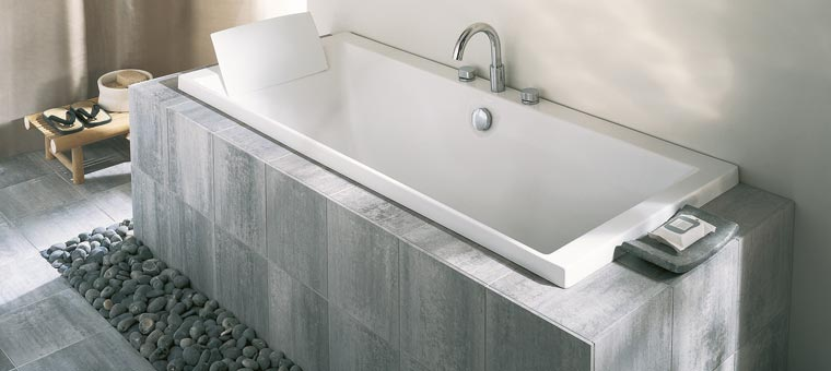 Carreler sa baignoire pourquoi et comment blog carrelage for Carreler sa salle de bain