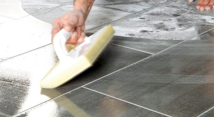 Comment refaire ses joints de carrelage blog carrelage for Carrelage joint noir