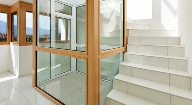 Poser du carrelage sur un escalier