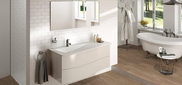 carrelage métro blanc salle de bains baignoire à pieds