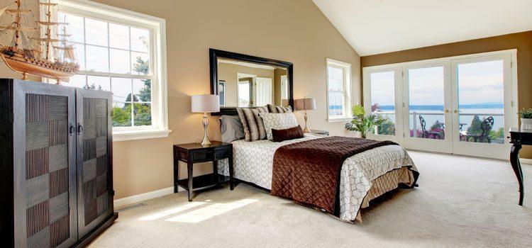 chambre avec moquette beige