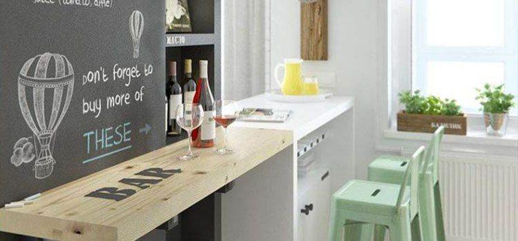 Peinture ardoise au dessus d'un meuble bar de cuisine