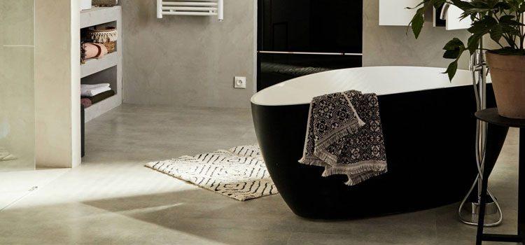 Béton ciré dans salle de bains moderne