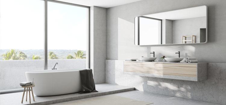 Terrazzo gris dans salle de bains moderne