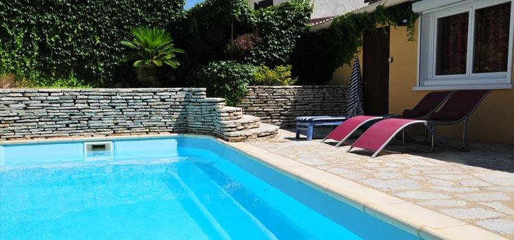 Margelle piscine moderne