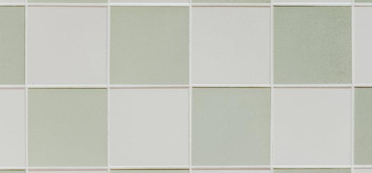 carrelage blanc et vert pâle