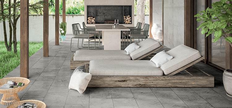 visuel d'une terrasse extérieure avec un revêtement de sol de couleur gris