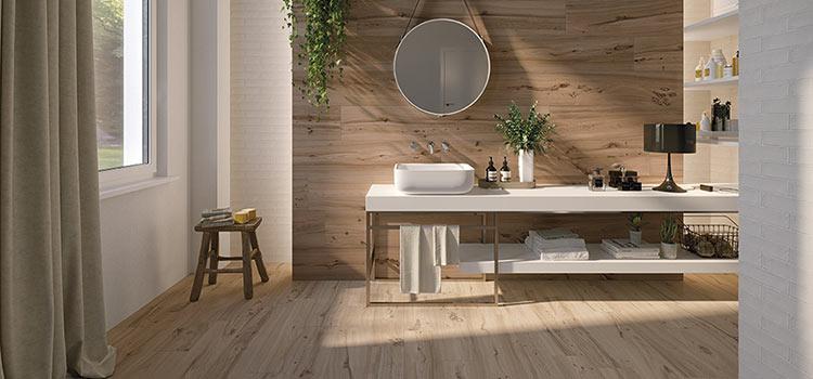 carrelage imitation bois installer dans la salle de bains