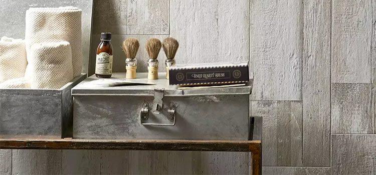 comptoir barber shop avec mur en carrelage gris