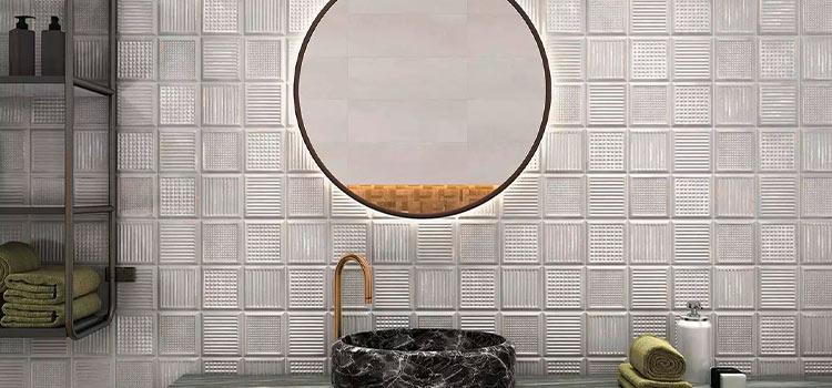 carrelage mosaïque posé dans la salle de bains