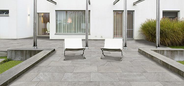 carrelage installé sur une terrasse extérieure