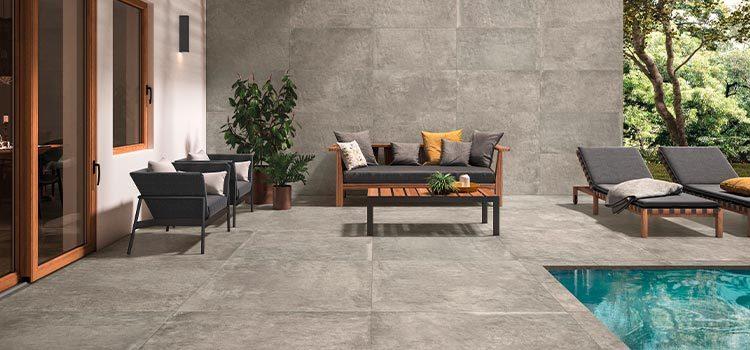 carrelage effet pierre installé dans un espace veranda